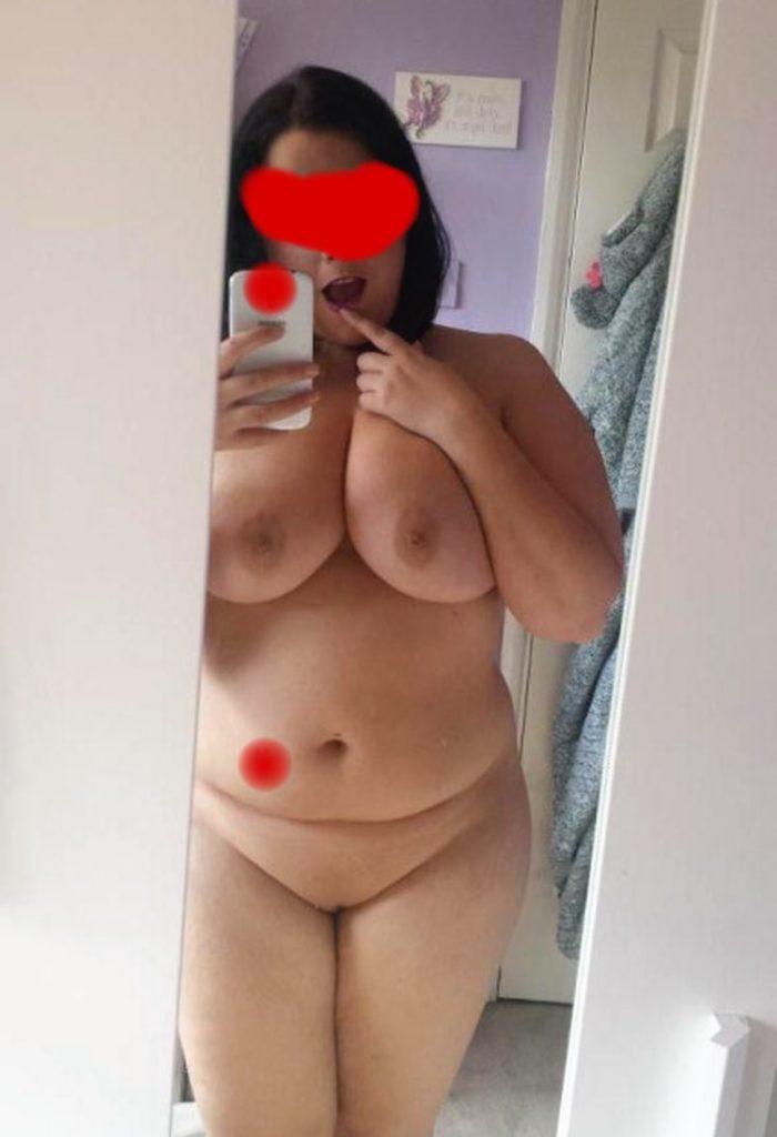 Nana ronde nue offerte pour un plan cul
