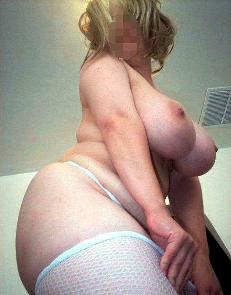 Une grosse femme nue cherche de la baise XXL
